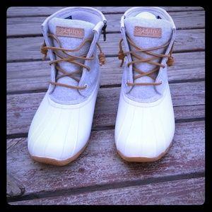 Saltwater wool linen boots